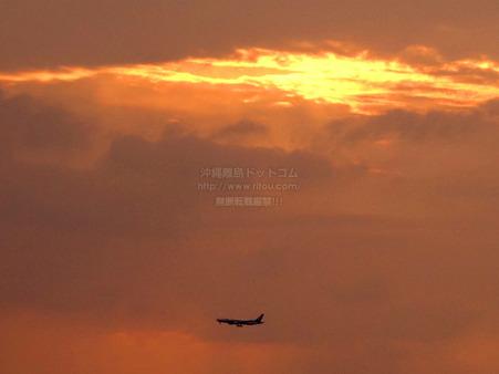 sunsetairplane20200425w1306.jpg